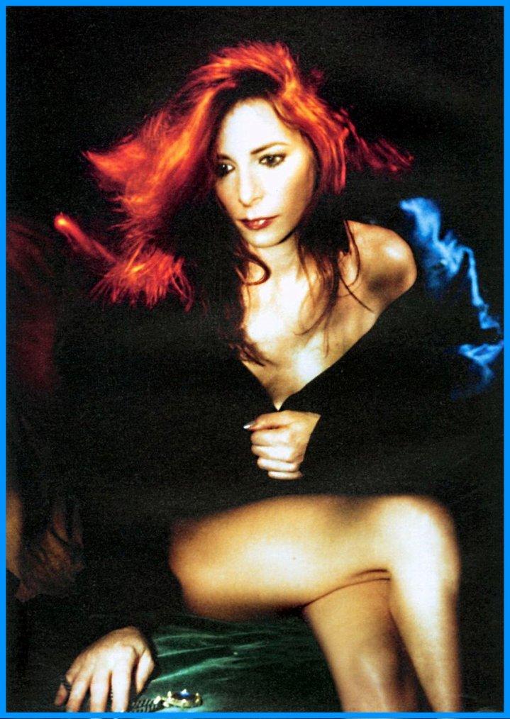 * BIOGRAPHIE. Les années Innamoramento et Mylenium Tour (1999 - 2000) . Photographies et des clips vidéos :  Souviens-toi. Dessine-Moi Un Mouton et je te rends ton amour.