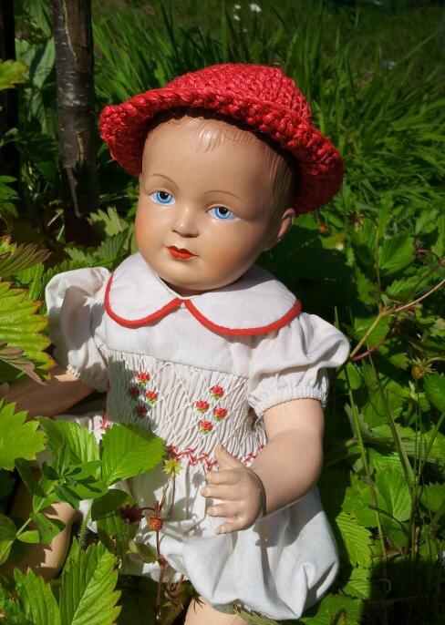 Paulin a été repéré grâce à son bob rouge dans les fraises des bois..!