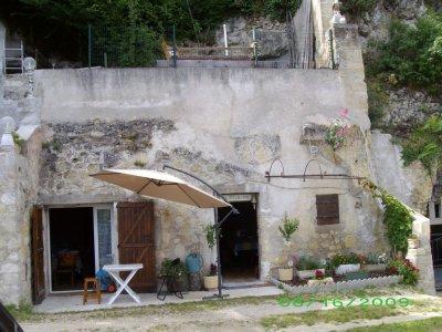 facade  de la cave  du frou.