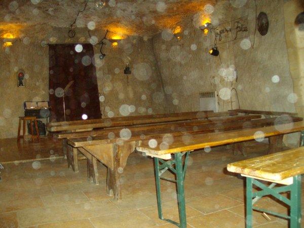Nouvelles activitées de la cave du frou transformé en salle de spéctacle