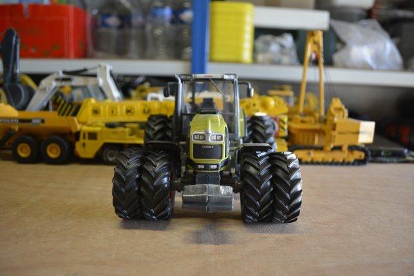 Claas Atles 946 RZ 8 roues