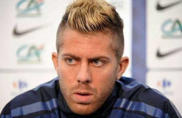 Menez , mon idole , ma perfection au masculin *-*.