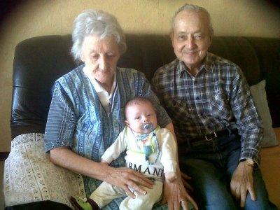 mathys et ses arrières grands parents
