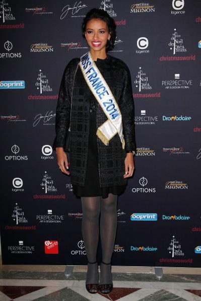 Flora Coquerel-Premier événement parisien!