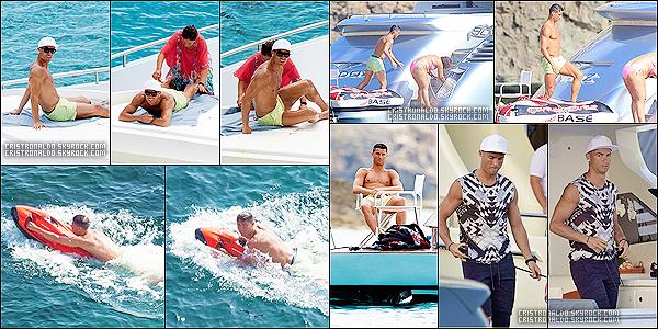 . 13/07/16 - Cristiano Ronaldo profitant de ses vacances sur un yacht à Ibiza en Espagne en famille. Cristiano se repose actuellement sur son bateau avec sa mère, son fils et des amis tout en continuant ses séances de réduction pour son genoux. .