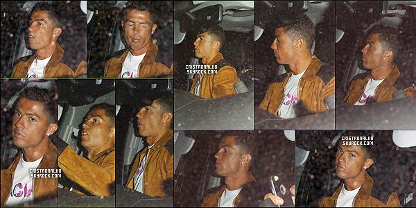 . 27/07/16 - Cristiano Ronaldo  a été vu sortir du Nice Guy plus tard dans la soirée à Hollywood.  La star du football a été apercu sortant de soirée de facon incognito mais toujours photographié par les paparazis présents à sa sortie. .