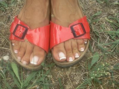 French aux pieds de jeanne merci ongles d 39 toile - Coupe des ongles de pieds ...