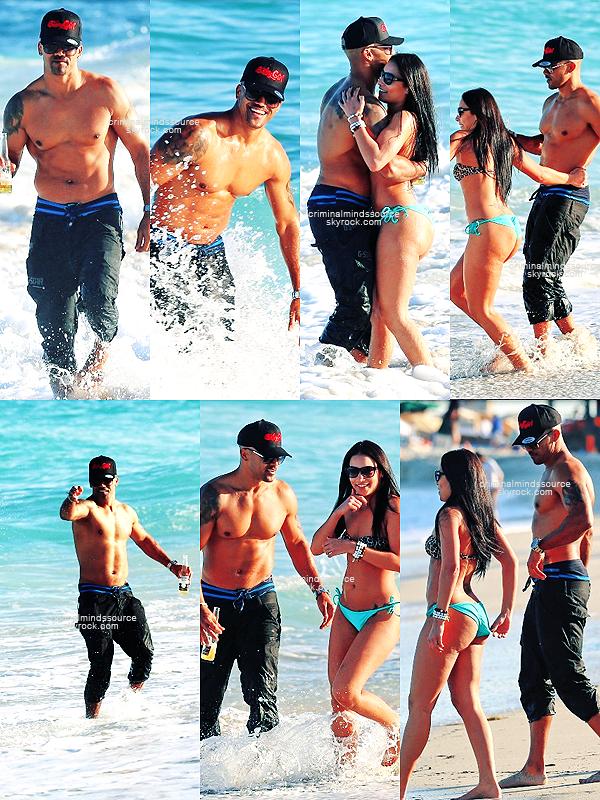 * 08/03/2013 Shemar Moore à passé du bon temps sur les plages de Miami *