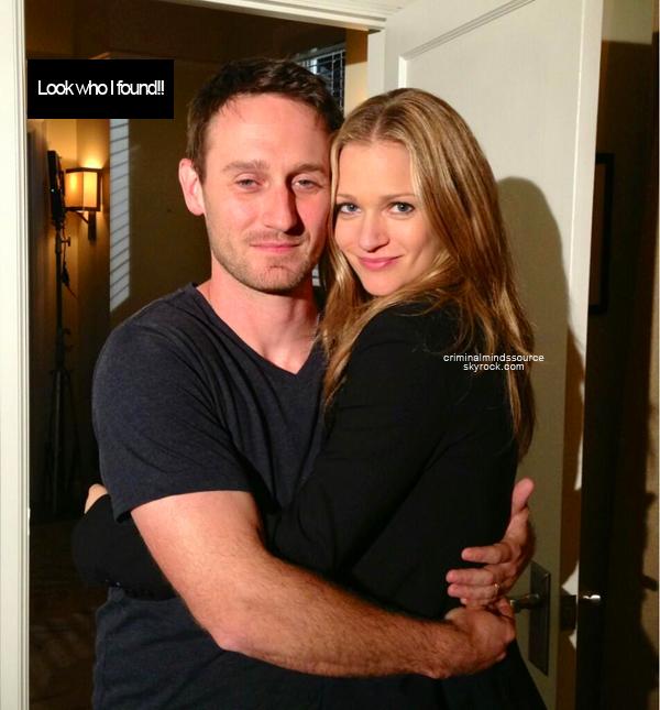 * 20/03/2013  Aj Cook à twitter une photo d'elle et de Josh Stewart, son mari dans criminal minds *