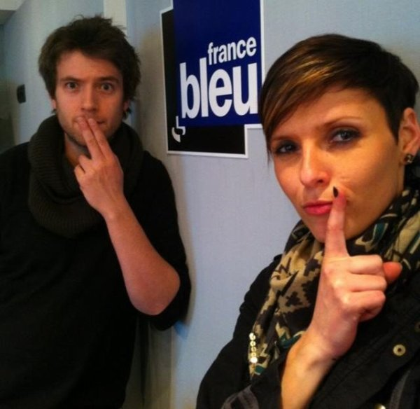 ^^ Adopte la LOLAttitude^^ !!    clique!  like!!   partage!!!   fais un carnage !!!