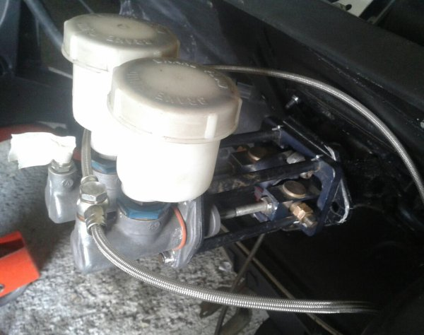 Montage du pedal box ( ax f2000 )
