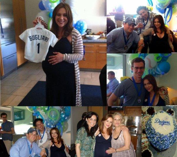 BABY SHOWER !  Alyssa a fêté sa baby shower le 14 aout en compagnie de quelques un de ses amis de son mari & de sa maman !  Alyssa est resplendissante !