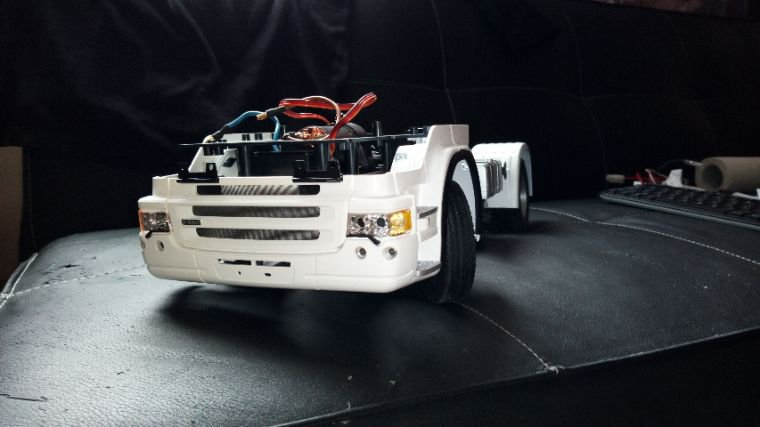 Le petit nouveau R560 blanc