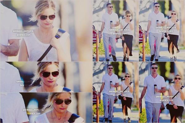 - 07 JANVIER 2015 | Sarah a été aperçue avec son mari Freddie se baladant à Beverly Hills -