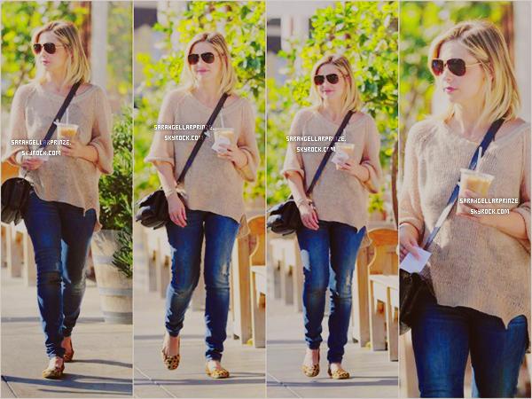- 08 JANVIER 2015 | Sarah est allée petit-déjeuner avec son amie Elsa à Los Angeles -
