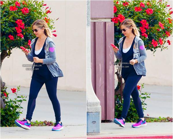 - 09 MARS 2015 | Sarah a été aperçue quittant son cours de gym dans Los Angeles -