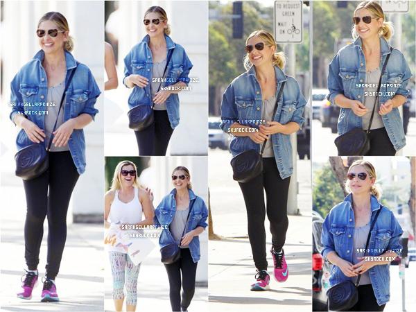 - 16 MARS 2015 | Sarah a été repérée avec une amie se promenant dans les rues de Santa Monica -
