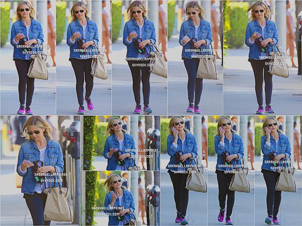 - 29/04/2015 : Sarah a été photographiée quittant son cours de gym qui se situait dans Santa Monica. -