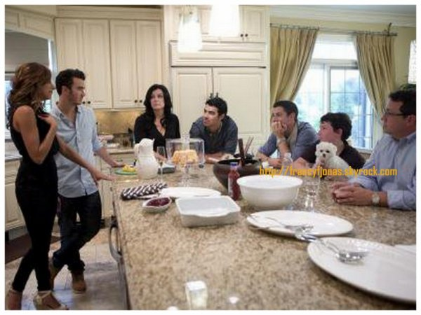Married to Jonas- Promo Pictures