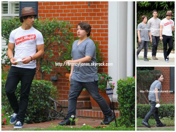 Frankie out with his family and Blanda Eggenschwiler- November 28, 2012