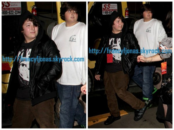 Another pics of Frankie Jonas to Jonas Brothers's concerts in LA