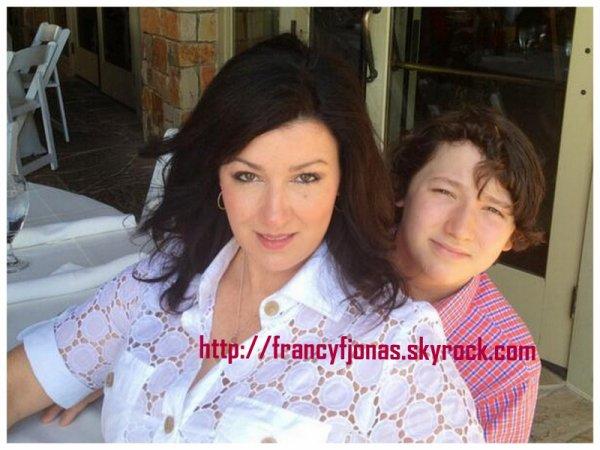 Twitter- Frankie Jonas and Denise Jonas's Mother Day brunch