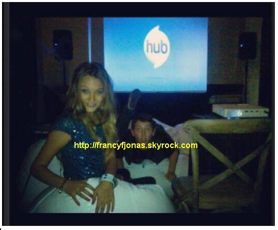 Twitter- Frankie Jonas and Kelly Crook to HUB premiere