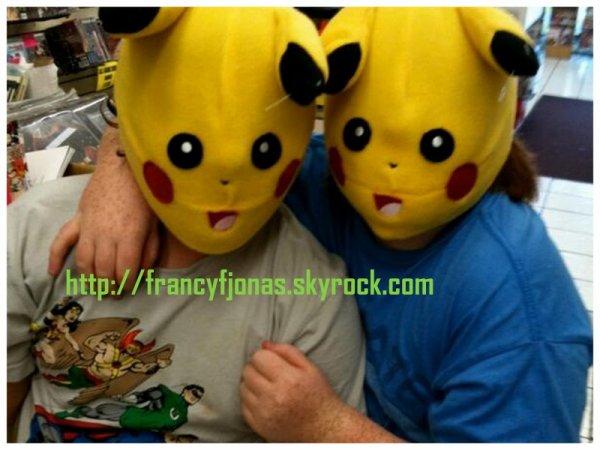 Twitter- Frankie Jonas and Tucker Albrizzi old pic