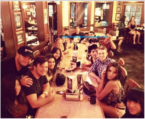 Twitter- Frankie Jonas celebrate graduation and Sam Lant b-day