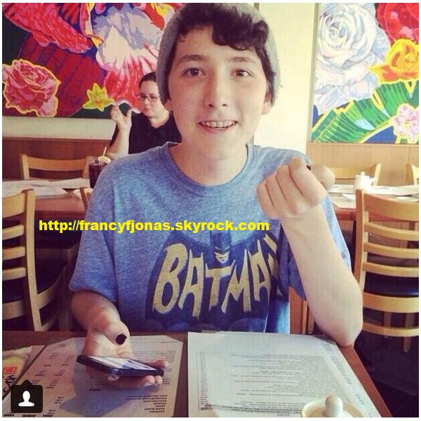 Twitter- Frankie Jonas's dinner with uncle Josh