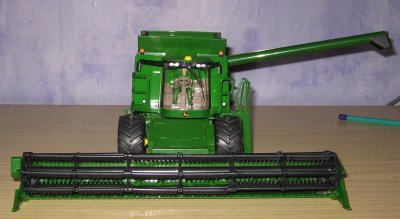 John Deere T670i