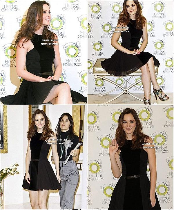 _ 24/11/10 . Lei' lors du photocall de la marque Herball Essance dont elle est l'ambassadrice  à Madrid.  _