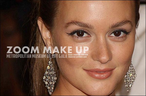 _  02/05/11_Leighton  lors du célèbre Gala costumé organisé par le « Metropolitan Museum Of Art » à NY.Admire vite la tenue portée par Leighton Meest. au même gala l'année dernière ; ça vaut le detour !  clique  _