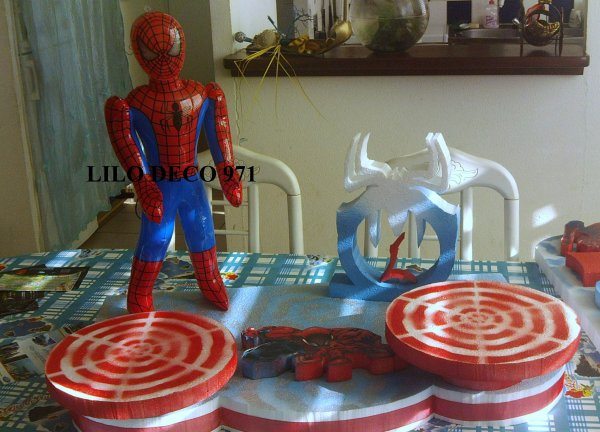 Petite d coration d 39 anniversaire spiderman blog de - Decoration spiderman pour anniversaire ...