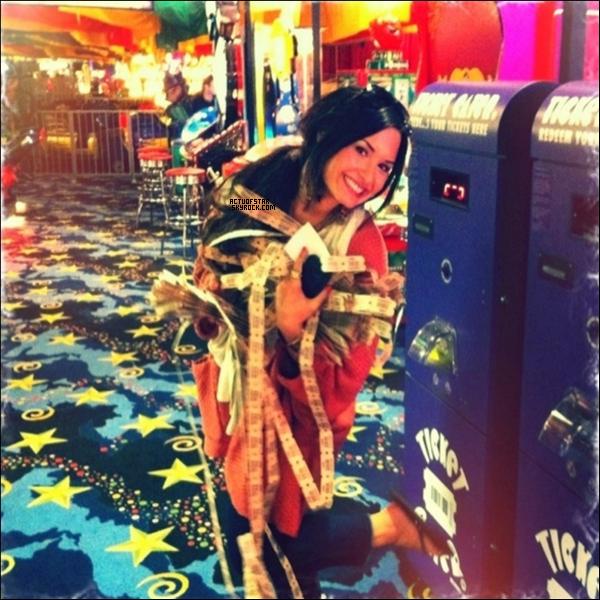 Dernière photos ajoutées par Demi Lovato sur son Twitter.