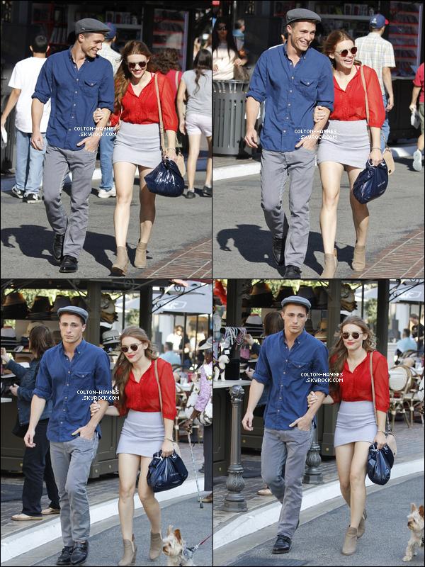 . Col' et son amie Holland Roden ont été vu faisant du shopping à Los angeles, le 06 Aout. .