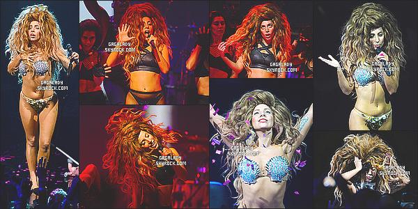 Gaga a préformée  au  ITUNES festival  elle a performer en live des chansons de ARTPOP