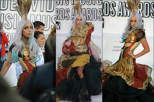 12 Sep' 2010 : Gaga arrivent au MTV MUSIC AWARDS  , Lady Gaga est juste MAGNIFIQUE  .