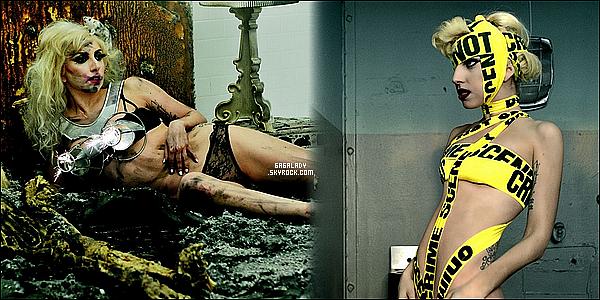Gaga vient d'arriver première du meilleur clip du 21 siècle avec  Téléphone mais s'empare aussi de la 4eme avec  Bad Romance  Alors vous plutôt Bad Romance ou Téléphone ? .