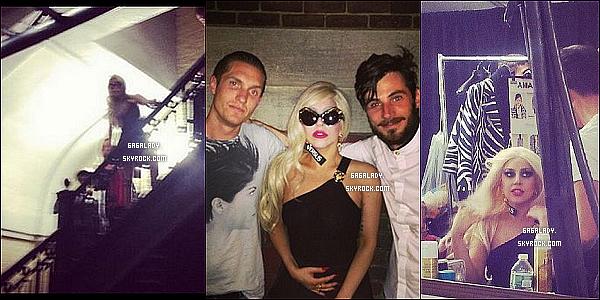Gaga serait   la directrice musicale du défilé de mode de sa nouvelle collection de  Versace .