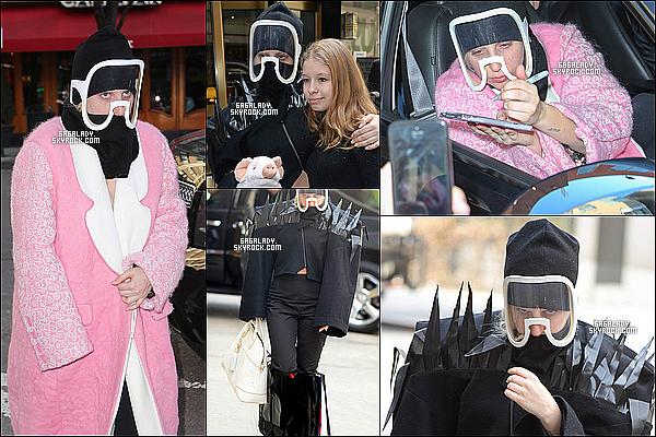 22.03.2014 - Lady Gaga se rendant et sortant d'un sutdio à New York, deux gros flops!   Elle a l'air extrêmement fatigué, nous savons pas ce que Gaga fessait dans un studio. Vous pensez quoi de son style ?