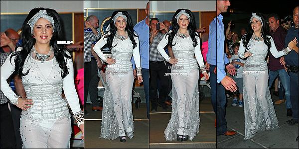 22.06.2014 - Lady Gaga arrivant a son appartement à New-York avec sa petite Asia, votre avis sur la tenue?   Plus tard, Lady Gaga sortant de son appartement dans une nouvelle tenue direction aéroport .Vous aimez cette tenue de Gaga?