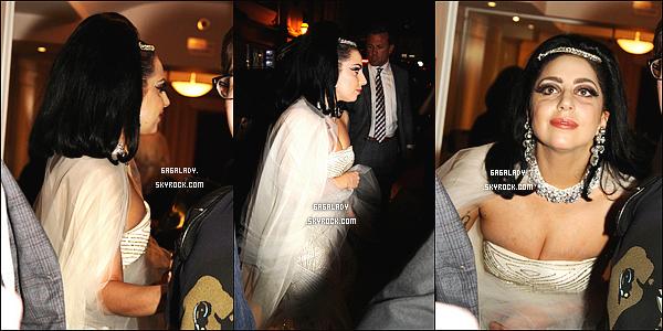 01.07.2014 - Lady Gaga sortant dans son hôtel à Monréal au Canada, une tenue robe de mariée. Bof pour moi.   Plus tard, Lady Gaga rentrant dans son hôtel après avoir fait une performance avec Tony Bennett au Festival de Jazz de Monréal.