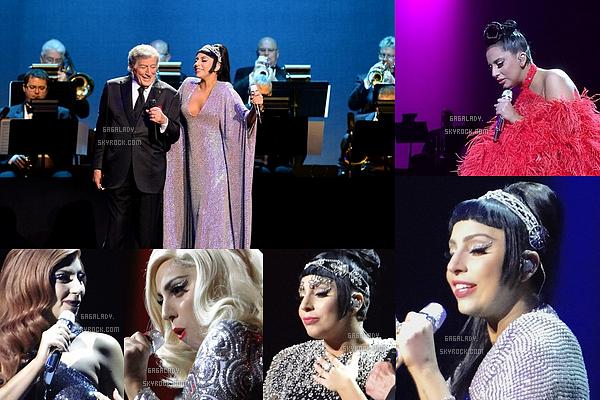 30.12.2014 - Lady Gaga et Tonny ont lancés leur tournée commune le Cheek To Cheek Tour à Las Vegas.   Lady Gaga est juste magnifique et heureuse. Beaucoup de tenues sont au rendez-vous surtout des robes. J'aime beaucoup!