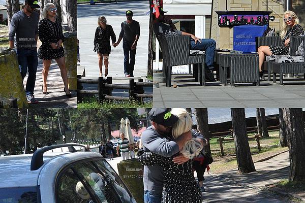 07.06.2015 - Lady Gaga aperçue en Serbie avec son Taylor. La séparation est difficile un dernier câlin!   + Lady Gaga toujours aujourd'hui arrivant à l'aéroport, elle va s'envolée pour Londres pour deux concert pour le CTC Tour.