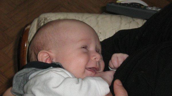 voici mon petit dernier il es trop craquant hein oui mylan nee ce 04 aout