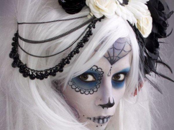 maquillage gothique femme guerriere. Black Bedroom Furniture Sets. Home Design Ideas