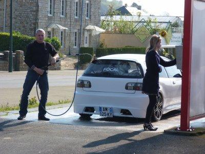 La Honda civic a Manu et Karine toujours entrain de faire l'idiot