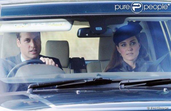 Le prince William et la duchesse Catherine à bord de leur Land Rover le 22 septembre 2013