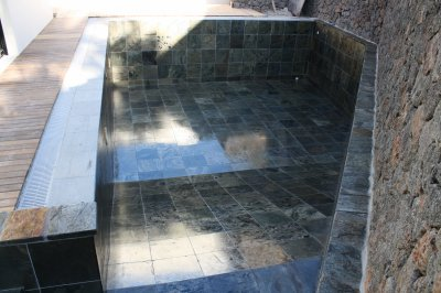 Bassin en ardoise blog de karro deko - Margelle piscine ardoise ...
